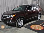 2011 Kia Sorento EX leather heated seats, power driver seat, bluetooth, Ex upgraded rims! in Edmonton, Alberta