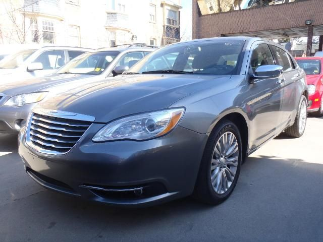 2012 chrysler 200 limited toronto ontario used car for sale. Black Bedroom Furniture Sets. Home Design Ideas