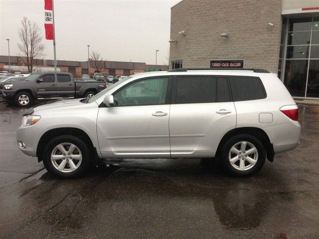 2010 toyota highlander 4 cyl fwd fog lamps alloy brampton ontario used car for sale. Black Bedroom Furniture Sets. Home Design Ideas