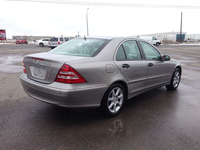 2006 mercedes benz c class original kms one owner 4matc for Mercedes benz c300 2006