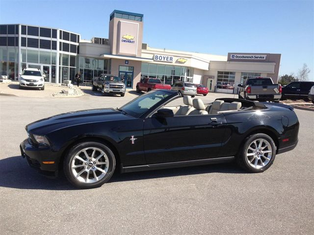 2010 ford mustang v6 convertible w sport pkg lindsay ontario used. Black Bedroom Furniture Sets. Home Design Ideas