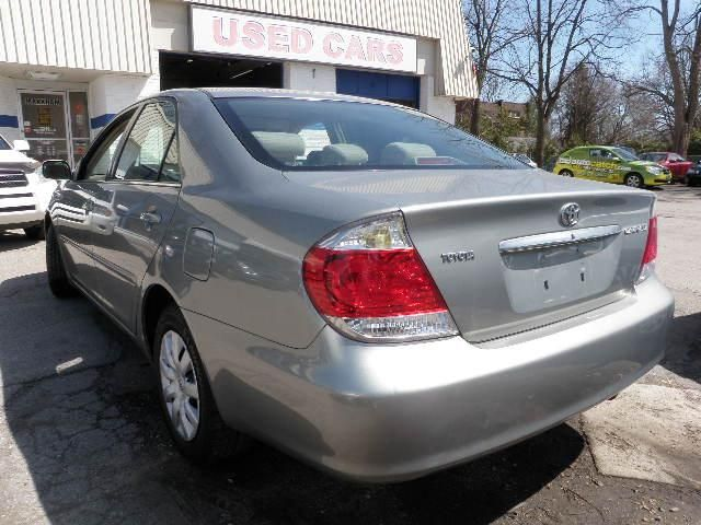 2006 toyota camry le markham ontario used car for sale. Black Bedroom Furniture Sets. Home Design Ideas