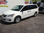 2011 Volkswagen Routan 7 SEATER in Burlington, Ontario