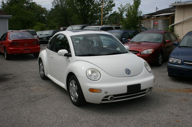 2001 volkswagen new beetle gls 1 8 turbo rare find scarborough ontario used car for sale. Black Bedroom Furniture Sets. Home Design Ideas