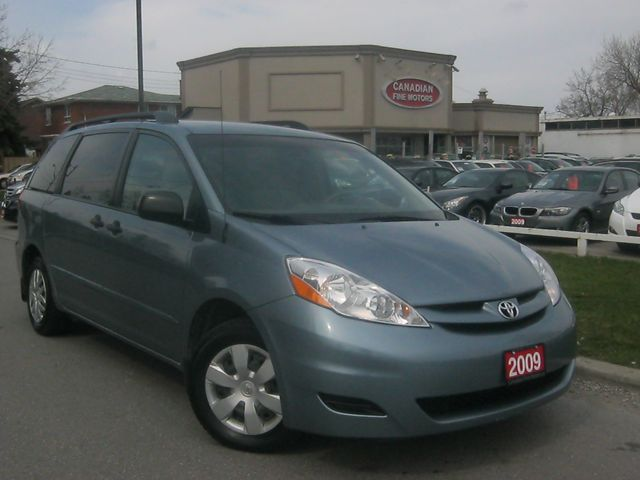 2009 toyota sienna scarborough ontario used car for sale. Black Bedroom Furniture Sets. Home Design Ideas