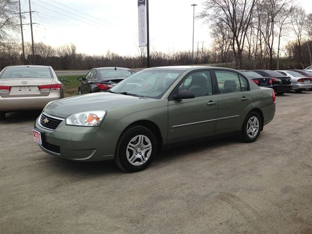 2006 chevrolet malibu ls ottawa ontario used car for sale. Black Bedroom Furniture Sets. Home Design Ideas