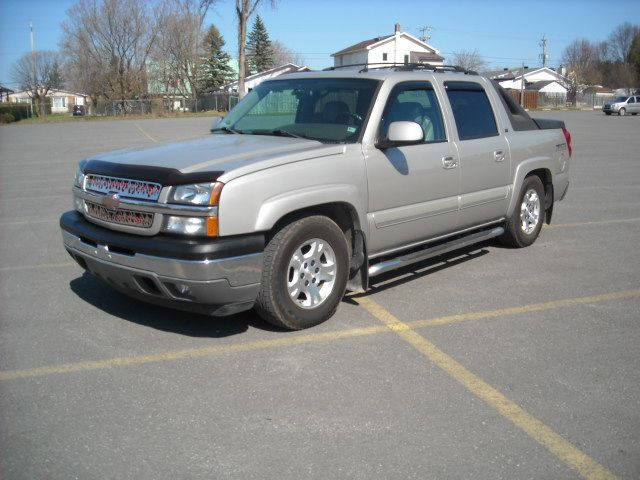 2005 chevrolet avalanche lt orleans ontario used car. Black Bedroom Furniture Sets. Home Design Ideas