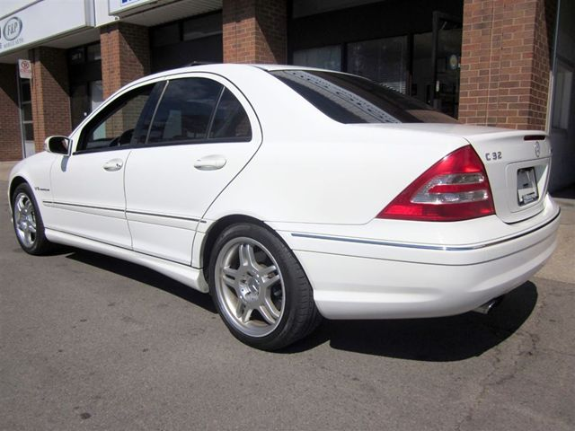 2004 mercedes benz c class c32 amg mississauga ontario. Black Bedroom Furniture Sets. Home Design Ideas