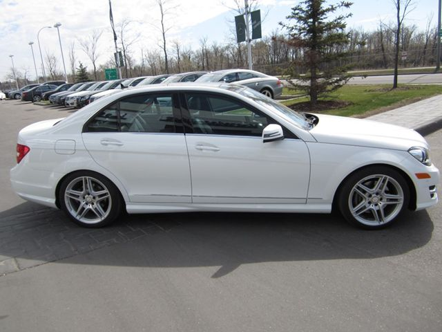 2013 mercedes benz c class c350 sedan calgary alberta for Mercedes benz 2013 c350