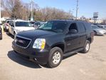 2011 GMC Yukon SLT Leather, Sunroof, BOSE, 2nd Row Buckets! in Pickering, Ontario