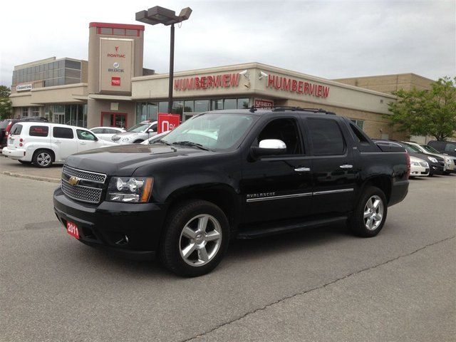 2011 chevrolet avalanche 1500 ltz toronto ontario used car for sale. Black Bedroom Furniture Sets. Home Design Ideas