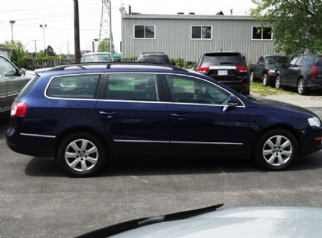2007 volkswagen passat wagon shadow blue mint auto sales. Black Bedroom Furniture Sets. Home Design Ideas