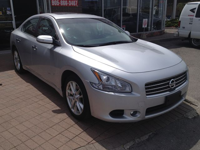 2011 nissan maxima 3 5 sv etobicoke ontario used car for sale. Black Bedroom Furniture Sets. Home Design Ideas