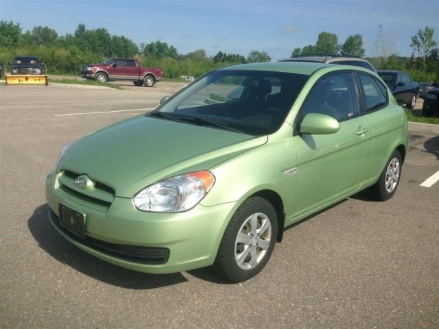2009 hyundai accent l hatchback north bay ontario used. Black Bedroom Furniture Sets. Home Design Ideas