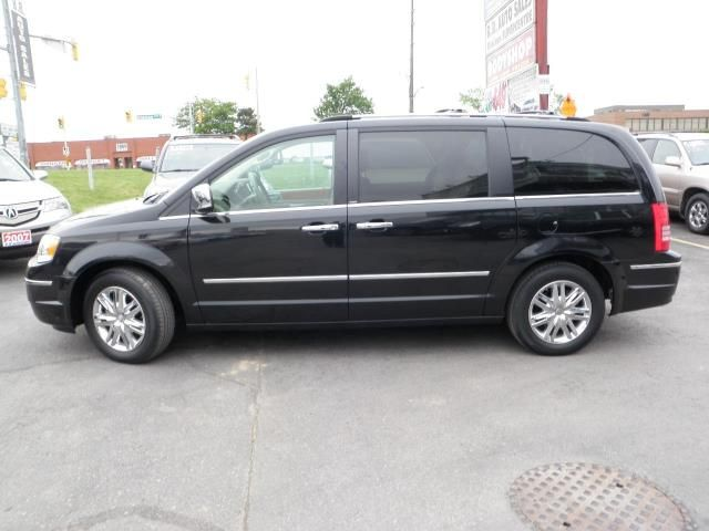 2010 chrysler town and country limited 4 0l in brampton ontario image. Cars Review. Best American Auto & Cars Review