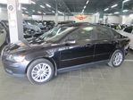 2006 Volvo S40 T5  6SPEED, LEATHER SUNROOF in Toronto, Ontario