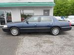 2003 Lincoln Town Car Signature Premium in Saint-Jerome, Quebec