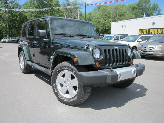 2010 jeep wrangler unlimited sahara 4x4 only 49k 2 tops mint in. Cars Review. Best American Auto & Cars Review