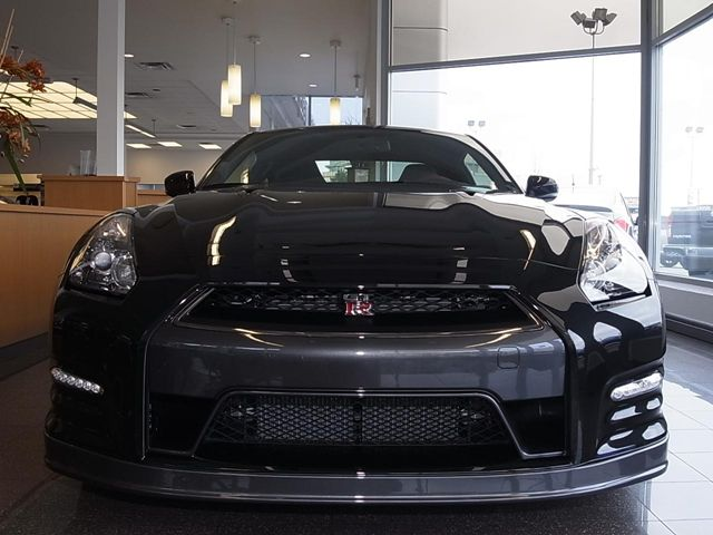 new and used nissan gt r cars for sale. Black Bedroom Furniture Sets. Home Design Ideas