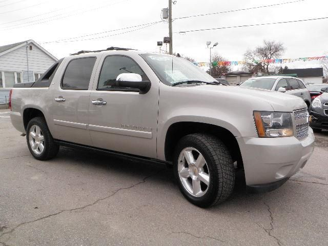 2007 chevrolet avalanche ltz barrie ontario used car. Black Bedroom Furniture Sets. Home Design Ideas