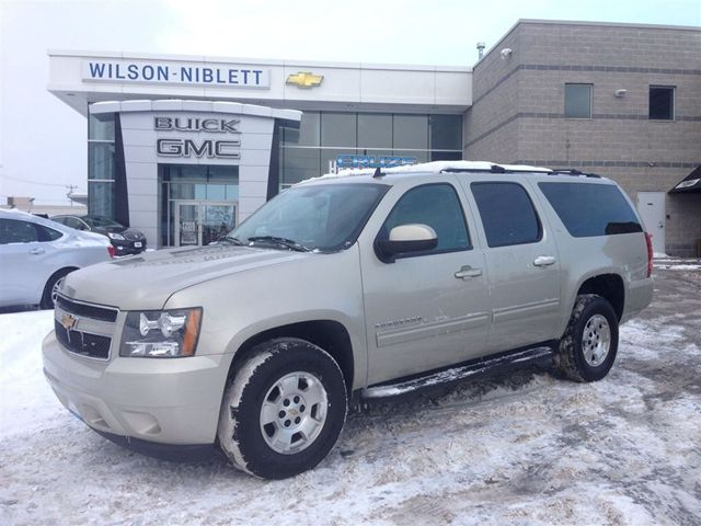 2013 chevrolet suburban lt 8 passenger leather roof richmond hill ontario used car for sale. Black Bedroom Furniture Sets. Home Design Ideas