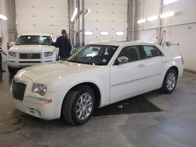 Chrysler 300M 2010