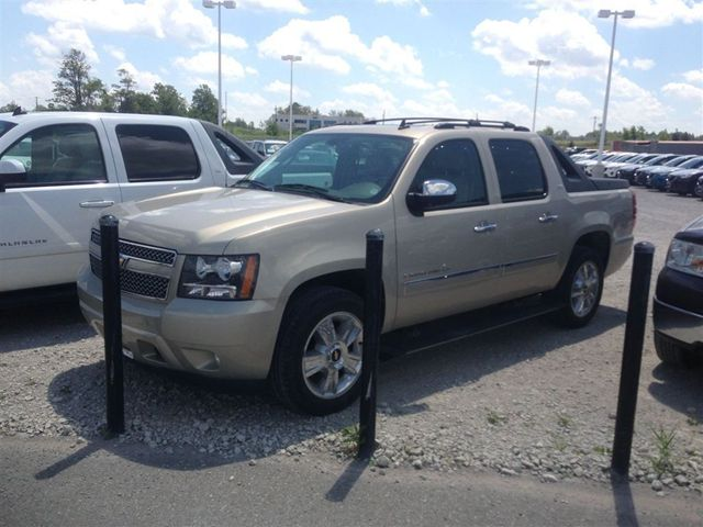2009 chevrolet avalanche ltz barrie ontario used car for sale. Black Bedroom Furniture Sets. Home Design Ideas