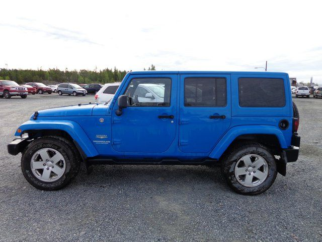 2012 jeep wrangler unlimited sahara 4dr 4x4 yellowknife northwest territories used car for sale. Black Bedroom Furniture Sets. Home Design Ideas