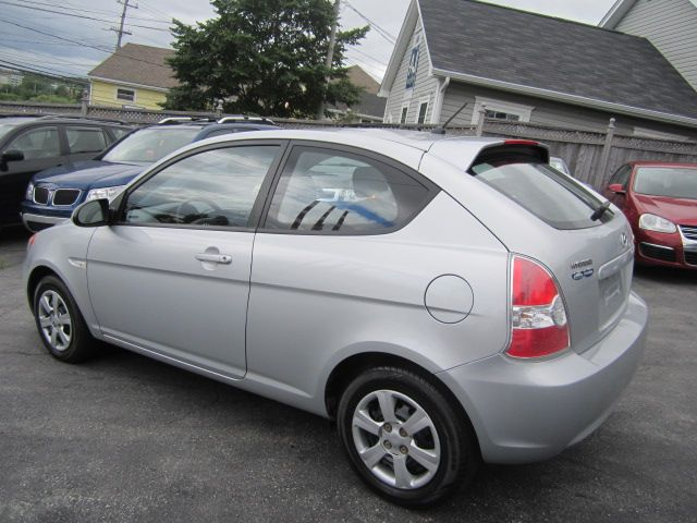 2007 hyundai accent hatchback dartmouth nova scotia. Black Bedroom Furniture Sets. Home Design Ideas