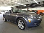 2006 Mazda MX-5 Miata  Convertible Mags Air in Laval, Quebec