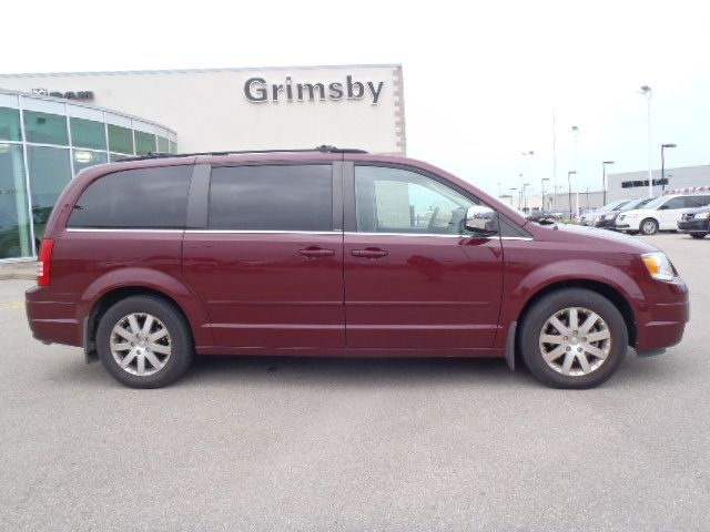 2008 chrysler town and country touring with leather grimsby ontario used car for sale. Black Bedroom Furniture Sets. Home Design Ideas