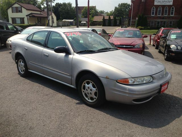 2000 oldsmobile alero gx st catharines ontario used car. Black Bedroom Furniture Sets. Home Design Ideas