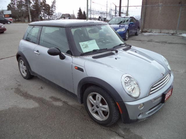 2006 mini cooper panoramic sunroof stouffville ontario car for sale 1326632. Black Bedroom Furniture Sets. Home Design Ideas