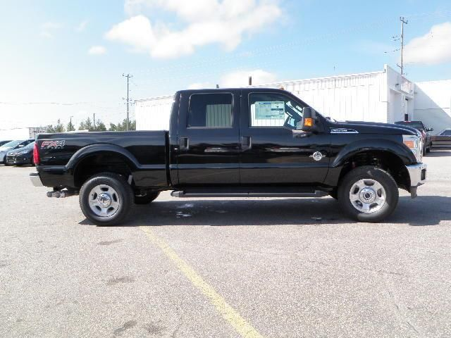 2014 Ford F-250 XLT 4x4 Turbo Diesel in Bracebridge, Ontario image 2