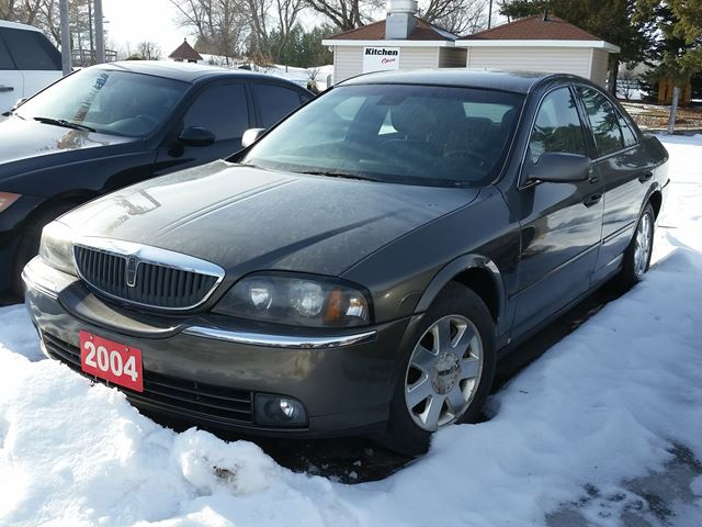 2004 LINCOLN LS Luxury in Ottawa, Ontario