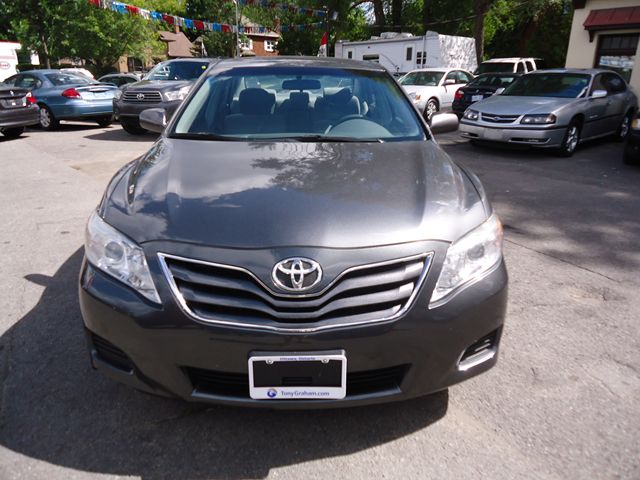 2010 toyota camry le ottawa ontario used car for sale. Black Bedroom Furniture Sets. Home Design Ideas