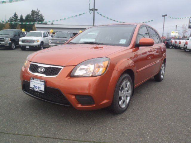 2011 KIA RIO 5 1.6 EX in Parksville, British Columbia