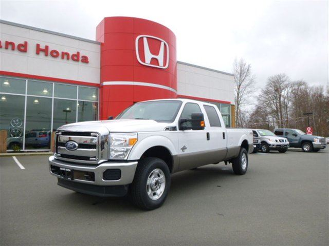 2011 FORD F-350 XLT **Beautiful Two Tone** Priced to Sell!** in Courtenay, British Columbia
