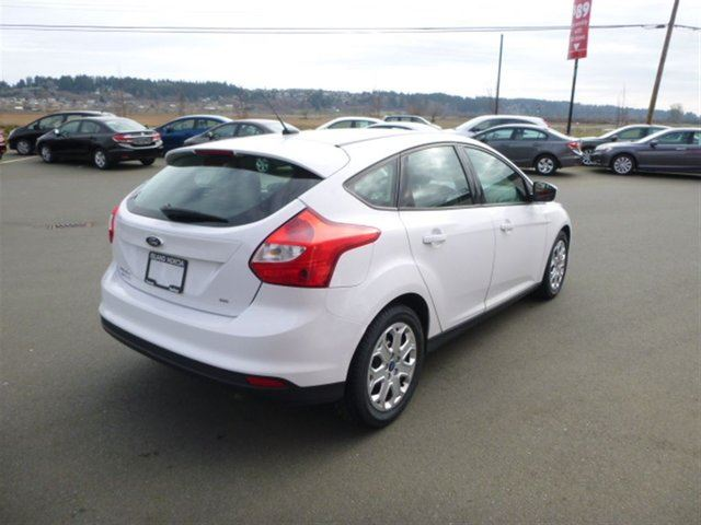 2012 Ford Focus SE Hatchback Great Gas Mpg Tons of