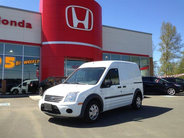 2011 FORD TRANSIT CONNECT XLT **Delivery Vehicle AND easy on GAS! in Courtenay, British Columbia