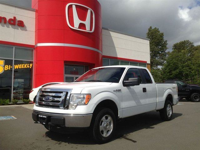 2011 FORD F-150 XLT**V6-4X4-GREAT GAS MPG** in Courtenay, British Columbia