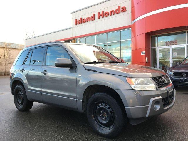 2007 Suzuki Grand Vitara AWD-1 Owner-Local Car-Low Kms in Courtenay, British Columbia