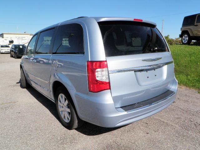 2013 chrysler town and country touring orillia ontario car for sale 1385569. Black Bedroom Furniture Sets. Home Design Ideas
