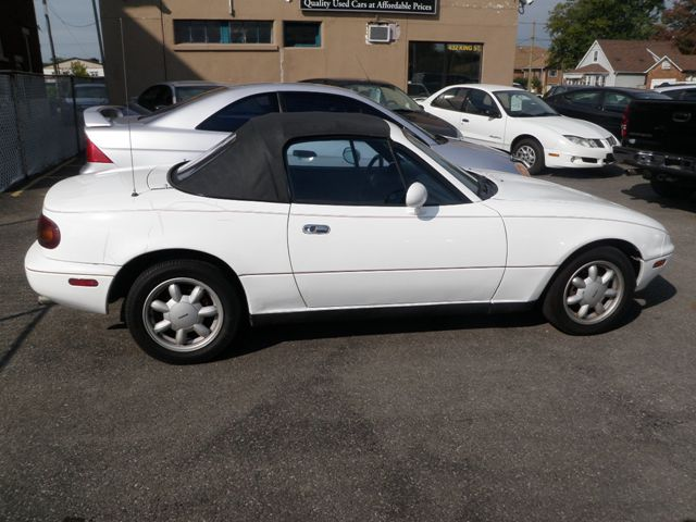 1990 mazda mx 5 miata white bridgeview motors. Black Bedroom Furniture Sets. Home Design Ideas