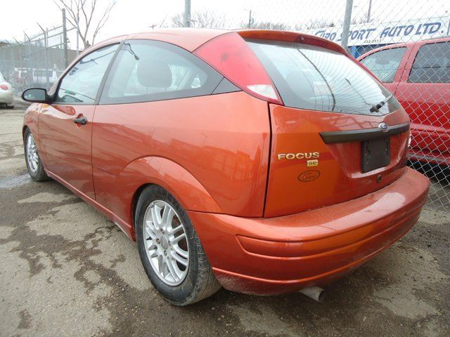 used 2005 ford focus zx3 2dr hatchback edmonton. Black Bedroom Furniture Sets. Home Design Ideas
