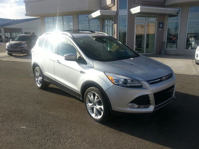 2013 FORD ESCAPE           in Claresholm, Alberta