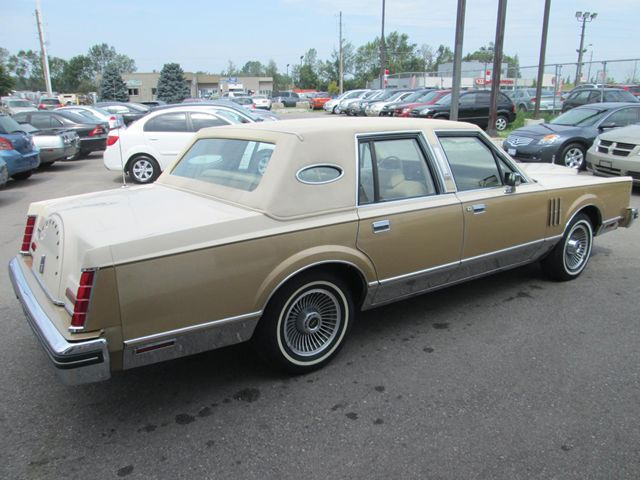 1982 lincoln continental mark vi guelph ontario used car for sale 1490750. Black Bedroom Furniture Sets. Home Design Ideas