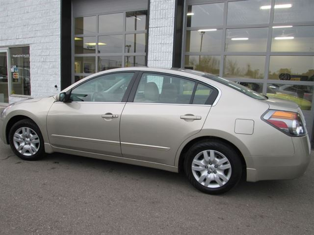 2009 nissan altima s 118biweekly auto ac noaccidents guelph ontario used car for sale 1490719. Black Bedroom Furniture Sets. Home Design Ideas