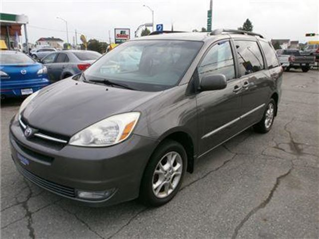 2004 toyota sienna xle limited awd dvd cuir amos quebec car for sale 1597641. Black Bedroom Furniture Sets. Home Design Ideas