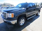 2010 GMC Sierra 1500 ALL TERRAIN WELL EQUIPPED SLE MODEL 5 PASSENGER 4X4.. EXTENDED CAB.. SHORTY.. in Bradford, Ontario